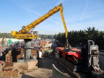 Machine servant au recyclage de la ferraille